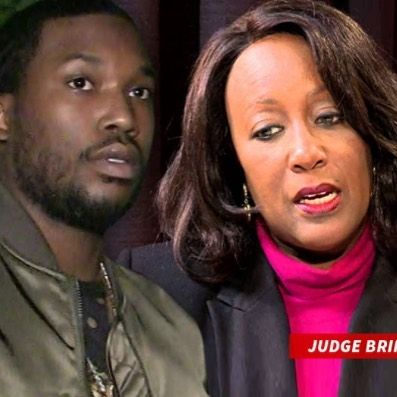 Meek Mill's bid for bail just got shot down by Judge Genece Brinkley who even branded him as a #danger to the #community.  After receiving the order from the Superior Court Judges Judge Genece Brinkley immediately held a hearing on the issues raised by Meek's legal representatives. On Friday December 1 Judge Brinkley tackled the bail request and denied Mill's motion for freedom. She even branded him a flight risk and a danger to the community.  The #legal #records also show Judge Brinkl…