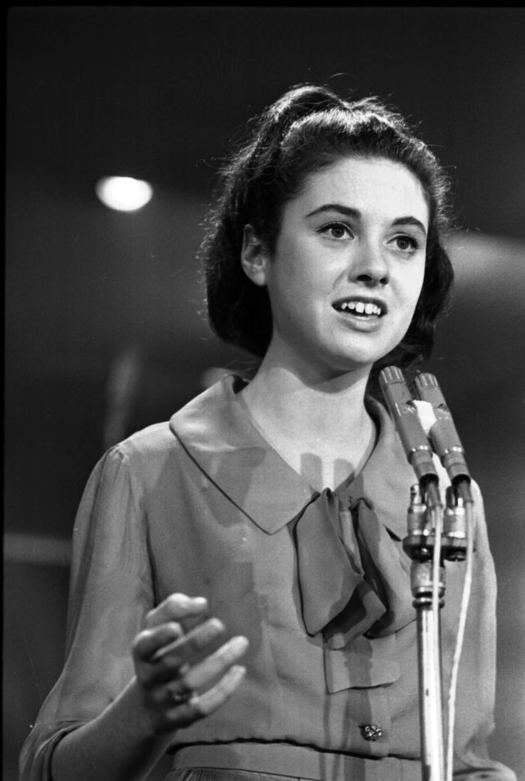 "Gigliola Cinquetti, winner of the Eurovision Song Contest 1964 with ""Non ho l´età"" at the San Remo Festival"