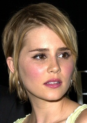 Alison Lohman, this was what my haircut was based on...