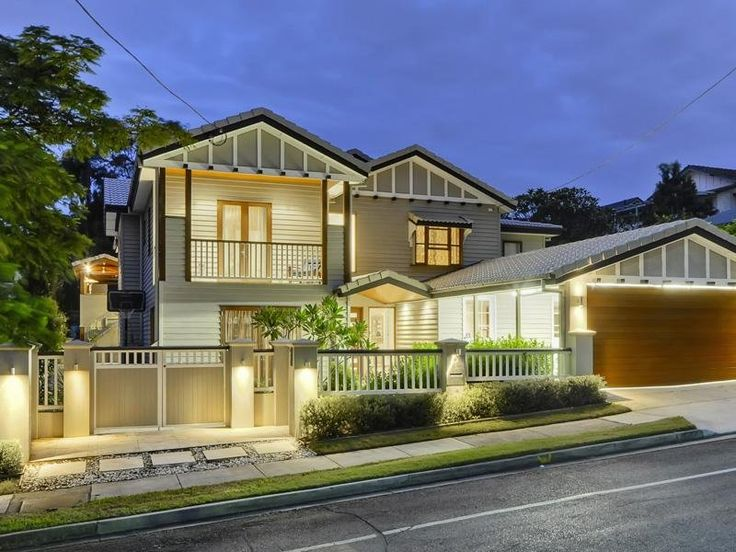 Love the style, the fence, everything. Could be done on our house