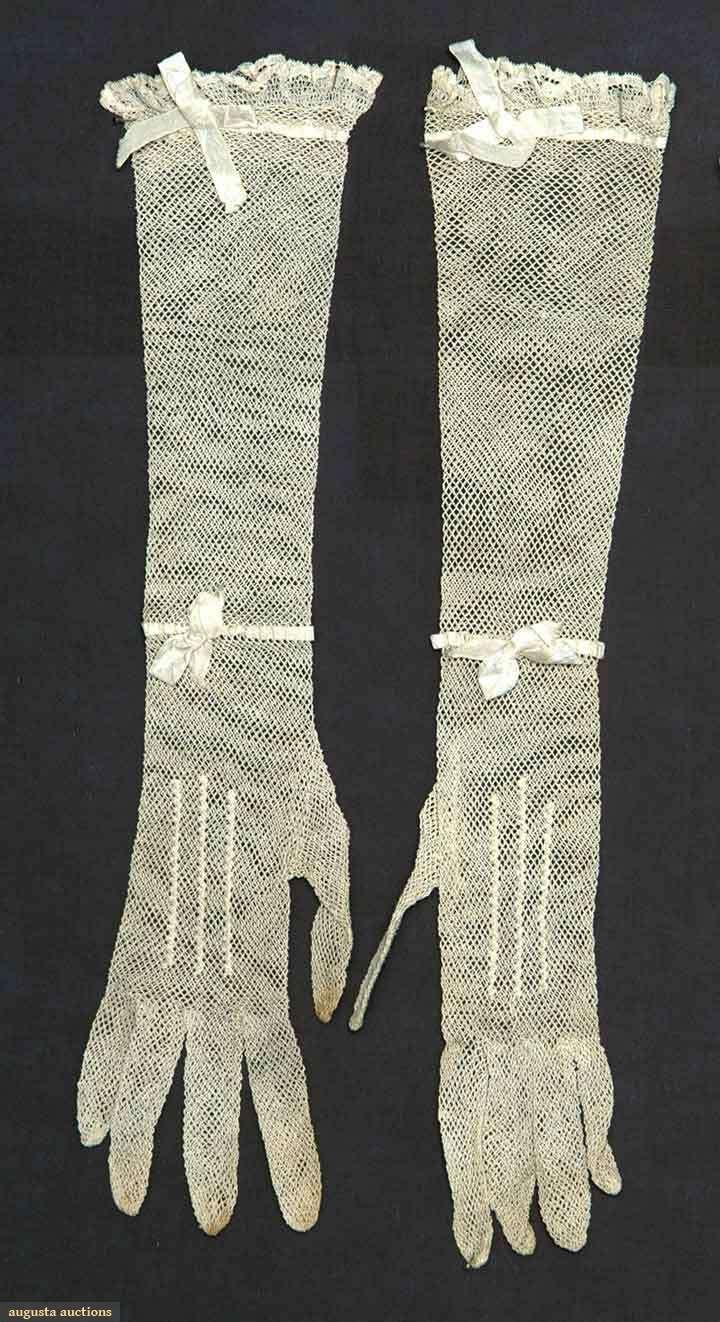 Elbow length gloves, c 1820