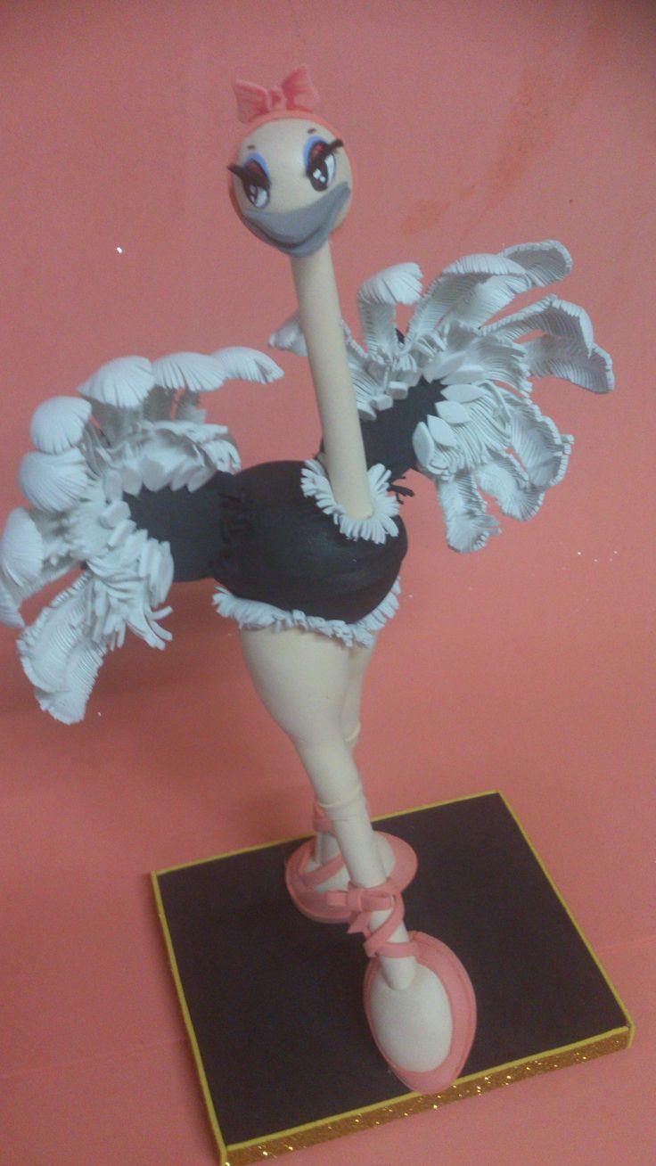 Bailarina de ballet.  Ideal para felicitar un cumpleaños. Trabajo realizado todo en goma eva.