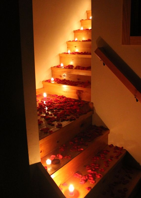 Romantic bedroom ideas with rose petals rlsrrbe romantic Best candles for romantic night
