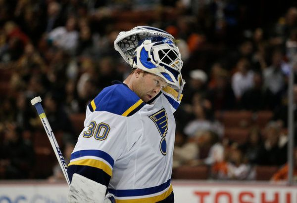 Martin Brodeur Is Set to Retire, but He Will Stay With Blues - NYTimes.com