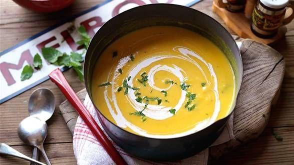 Zupa krem z warzyw z dodatkiem gotowanego indyka