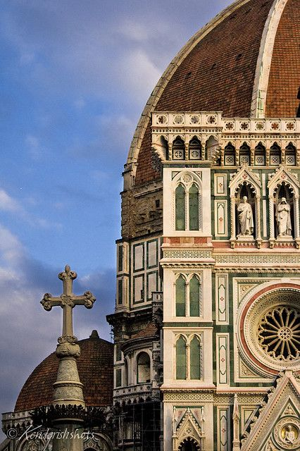 The breathtaking Basilica of Santa Maria is one of Florence's many architectural masterpieces. Check out some of the other stunning architectural works that call Florence home at TheCultureTrip.com. Click on the image to view the full list! http://www.flickr.com/photos/kenderish_shots/3291364062/in/set-72157614057515467