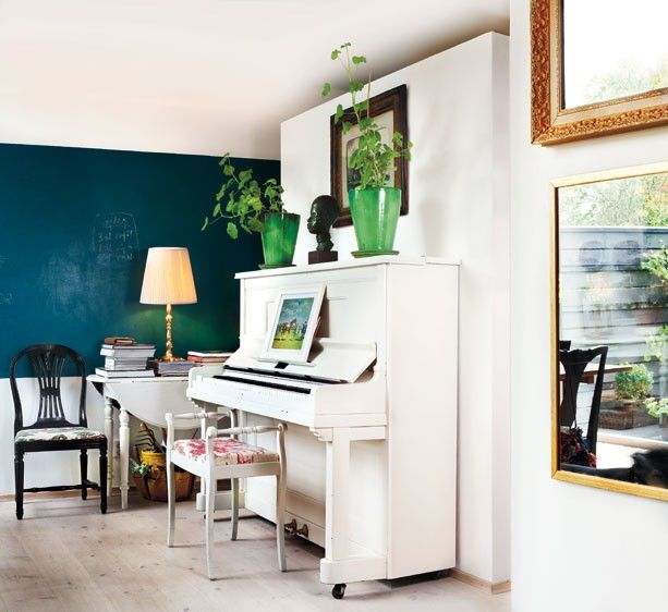 A Curated Lifestyle: Music for the Eyes - I could paint my piano white and shabby chic??