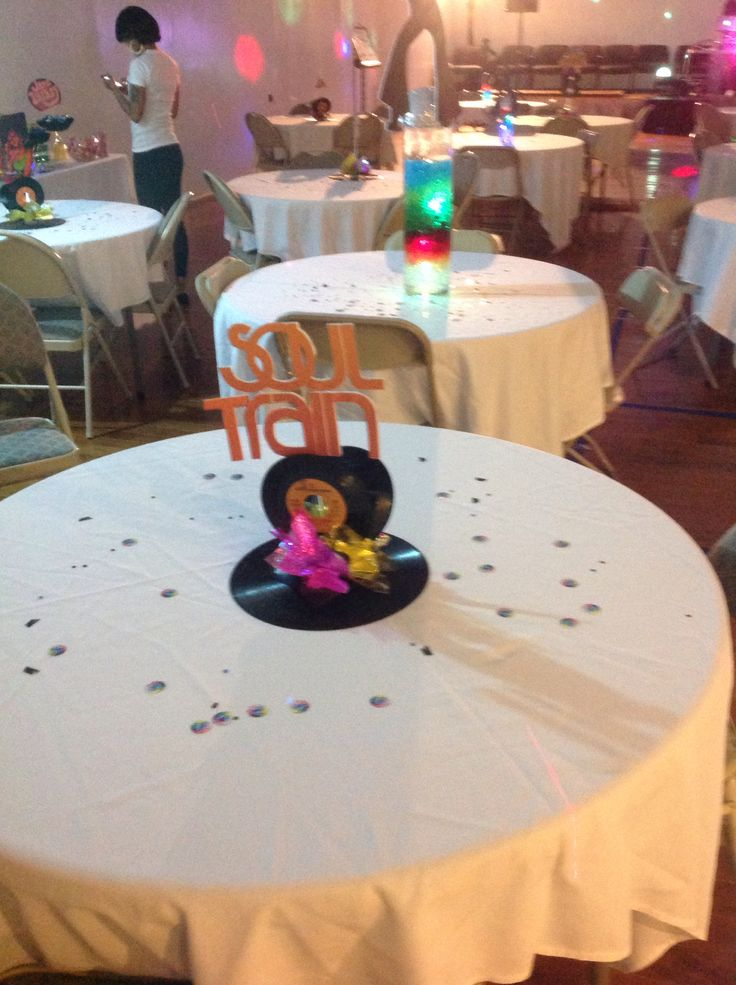 Best 25 70s theme parties ideas on pinterest disco for 70s decoration