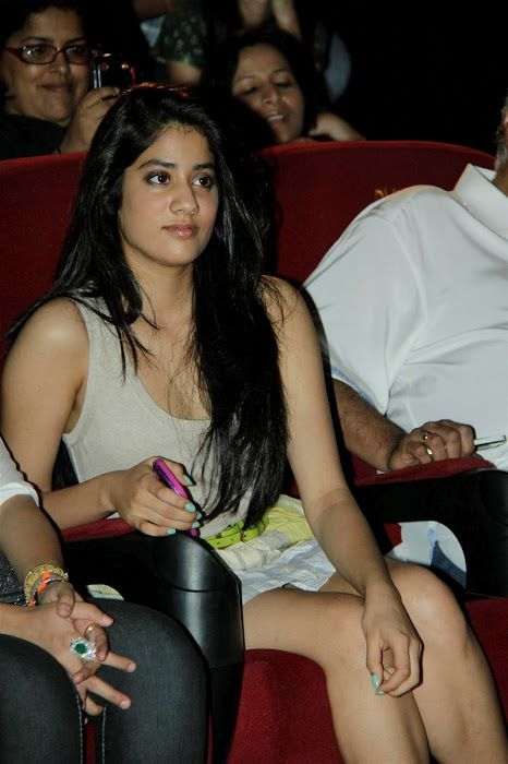 Sri Devi Daughter Jhanvi Latest Hot Photos Exposed – Entertaiment News