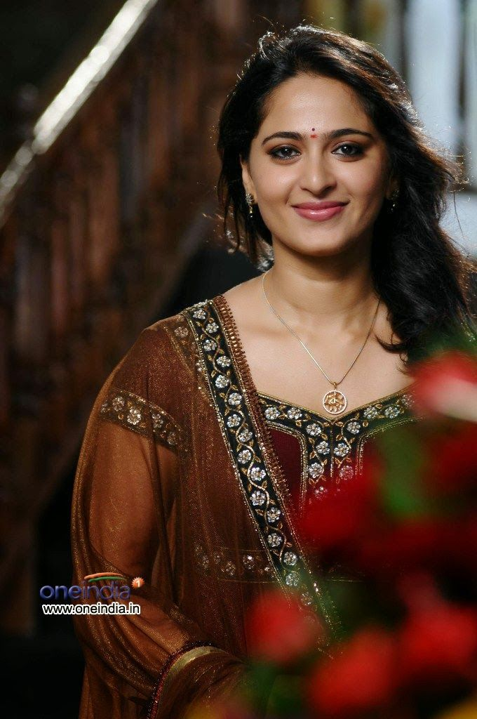 Anushka Shetty- anushka,anushka hot,anushka photos,Latest News,movies,Wallpapers,Photos, Videos: [anushka shetty hot kiss]