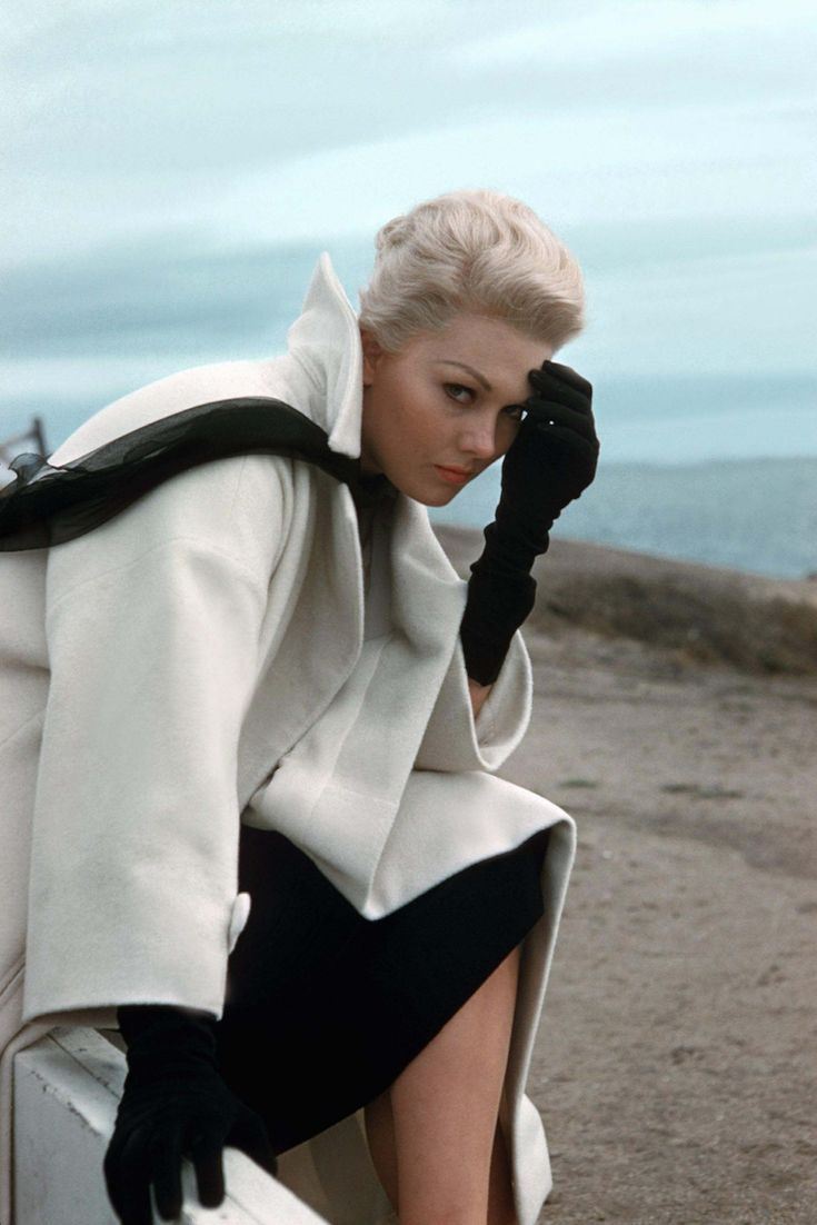 Kim Novak 1958 (would love this outfit in a cream, and maybe a rich dark earth tone.)
