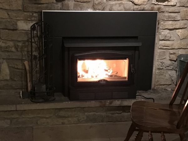 Osburn 2400 High Efficiency Epa Woodburning Insert With Blower In 2020 Fireplace Inserts Wood Burning Fireplace Inserts Wood Burning Fireplace