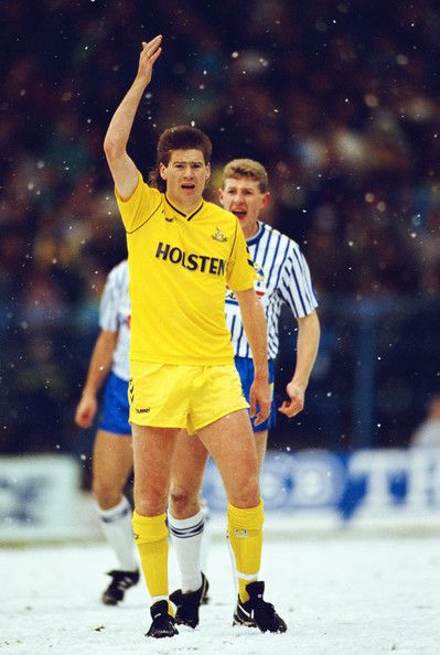 Chris Waddle v Sheffield Wednesday in the snow