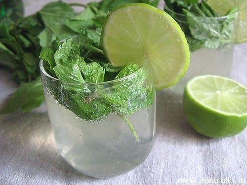 """Безалкогольный """"Мохито"""" 1 л Sprite;  2-3 лайма; мята; коричневый сахар (за неимением можно использовать обычный)."""