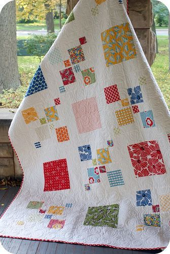 I love this quilt so much. Love how it's so bubbly and etherial looking + looks scrap happy informal and structured all at the same time. Rachel = girl genius!.