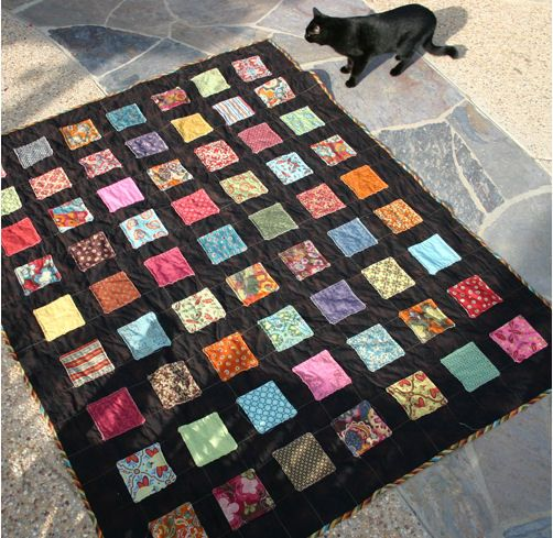 Free Patterns Using Charm Squares | Tutorial: 'Screamless' quilt · Quilting | CraftGossip.com