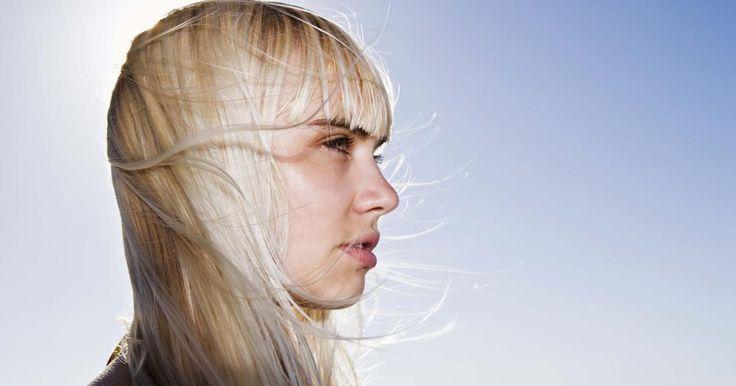 Cómo quitar el color cobrizo y amarillento del cabello con vinagre