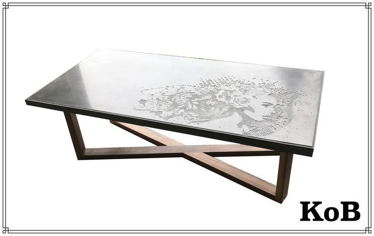 Table en béton polie de Kind of béton en collaboration avec l'artiste Mila.  Concrete coffe table in collaboration with the Canadian artist Mila.