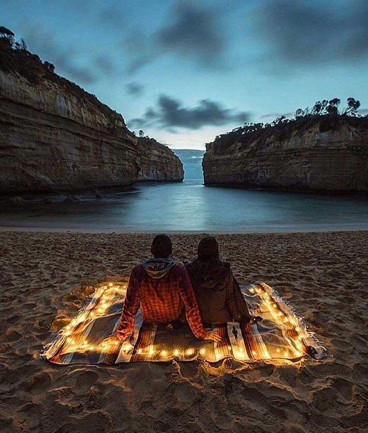 Romantic hours, Australia