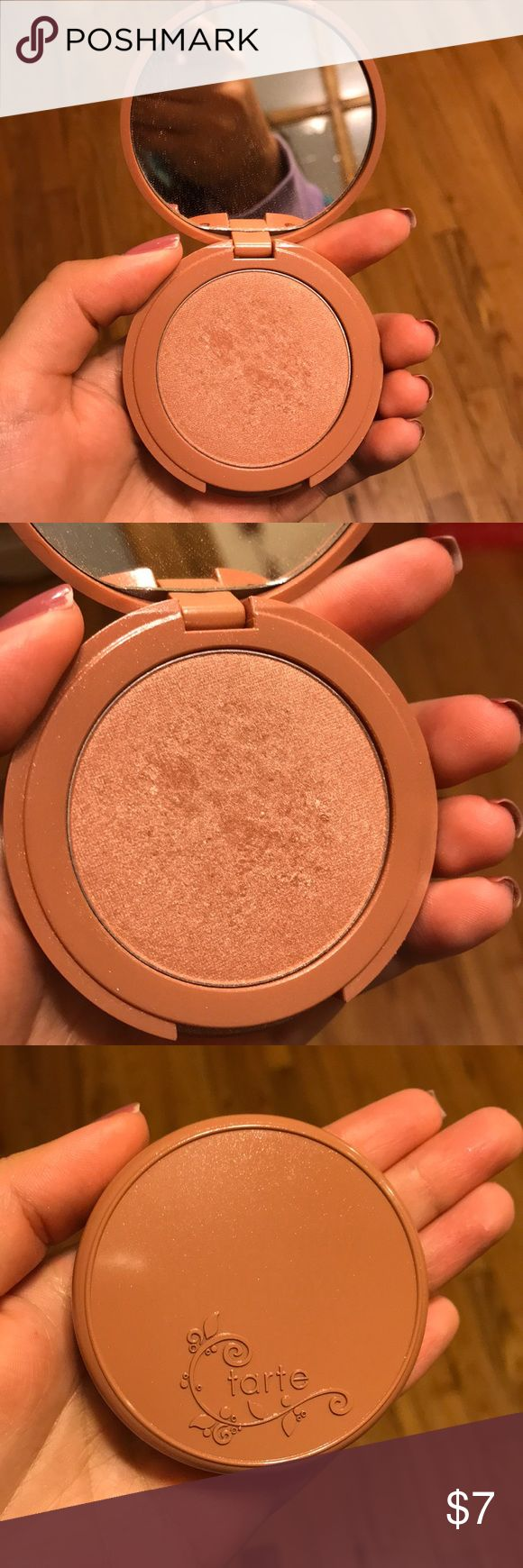 Tarte highlighter in Daygleam I️ did use this highlighter a few times not realizing it was to dark for me! Hopefully someone else can get more use out of it. I️ do not have the box sorry Tarte Makeup Luminizer