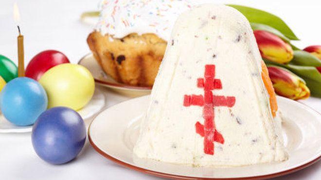 La paskha est un gâteau froid composé de fromage blanc et de fruits confits. Compact, sucré et très onctueux, il est traditionnellement dégusté lors de la Pâques orthodoxe, pour fêter la fin du Carême. Il est d'usage de le décorer d'un « XB », signifiant « le Christ est ressuscité », et d'une croix orthodoxe, réalisée avec des bâtons d'angélique.