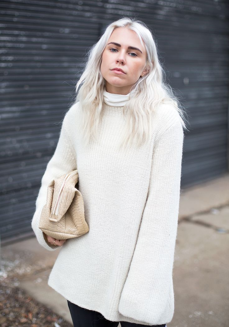 Knitwear Trends 2014: Courtney Trop is wearing a white knit jumper from Zadig & Voltaire
