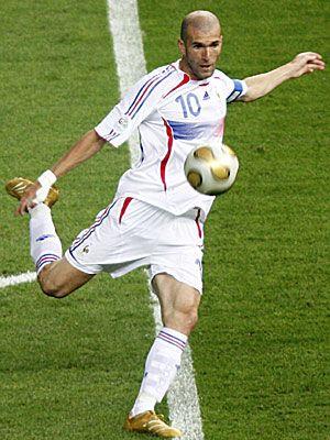 Zinedine Zidane. Tecnica y elegancia sin igual, un bailarin del futbol.