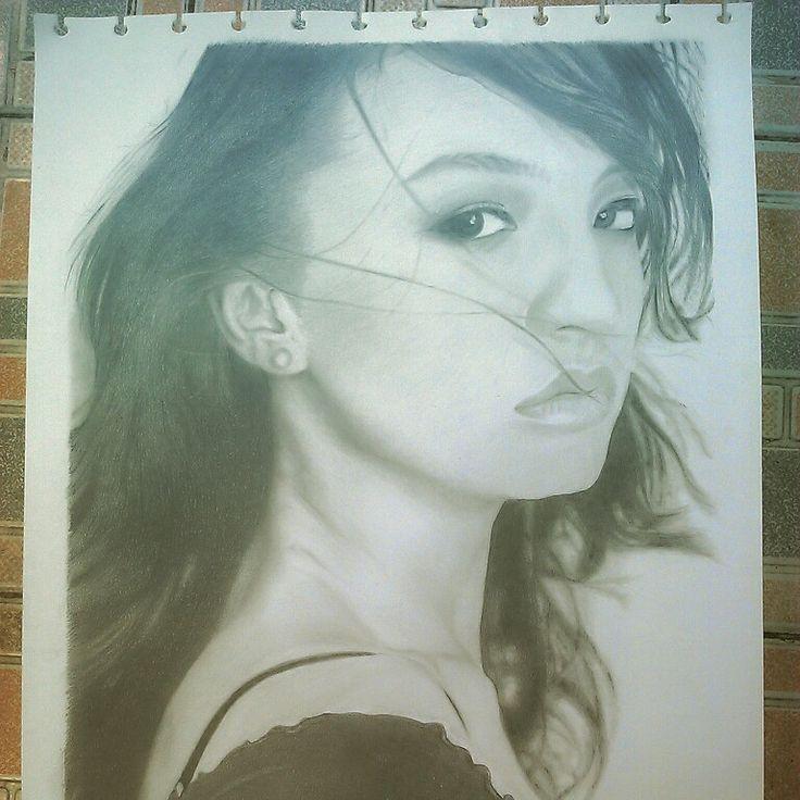 Sketsa wajah larine shah