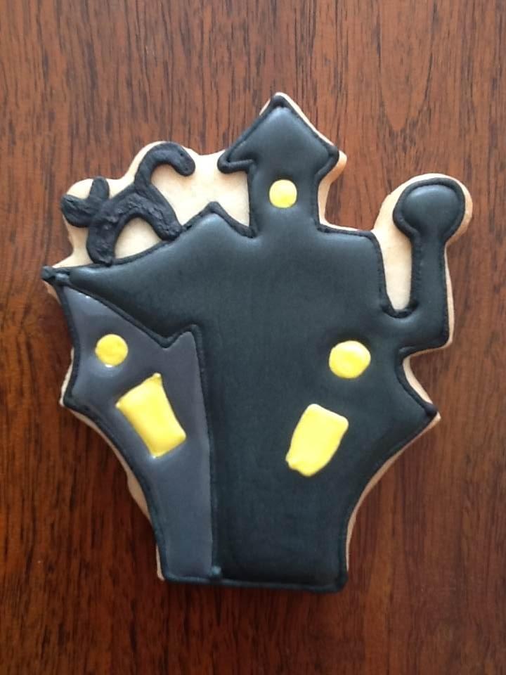 Casa embrujada; galletas de mantequilla decoradas con royal icing
