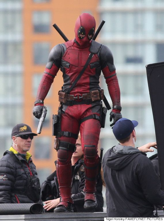 See The First Photos Of Ryan Reynolds On The 'Deadpool' Set