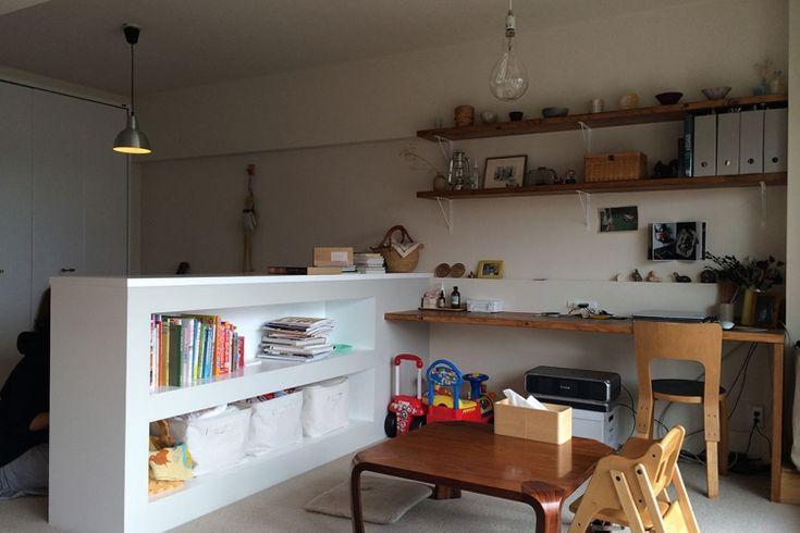 <p>収納で空間をゾーニングするアイデア。こちらのお宅ではキッズスペースとワークスペースとの仕切りに。</p>
