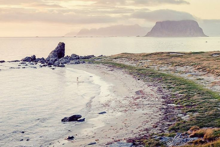 Walk here, Værøy