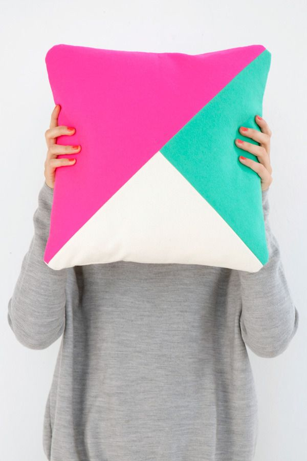 Room39 Technicolour Cushion #2                                                                                                                                                                                 Mais