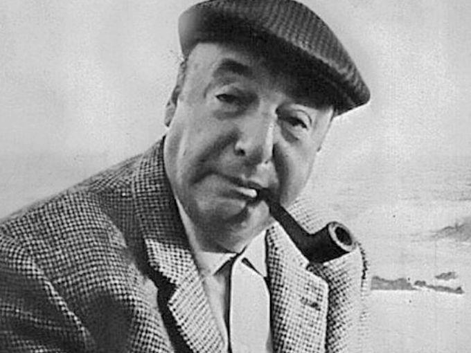 """Desde que tengo memoria, Pablo Neruda ha cautivado a cientos de amantes gracias a sus renombrados poemas. Gabriel García Márquez, lo describió como """"el mejor grande poeta del siglo XX en cualquier idioma"""", pero, ¿sabías que el chileno confesó haber violado a una mujer?Este es uno de los episodios mejor guardados del chileno, quien además fue premio Nobel de Literatura y doctor honoris causa por la Universidad de Oxford."""