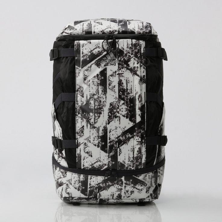 adidas(アディダス)通販オンラインショップ。バッグ BAGS Accessories OPS SHIELD バックパック 30 アクセサリー 小物 bag かばんなど公式サイトならではの幅広い品揃えが魅力。