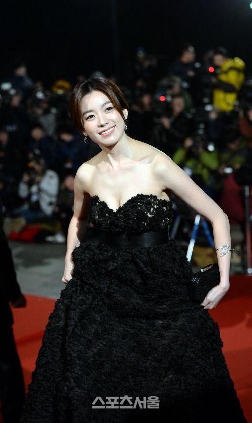 Han Hyo-joo : Blue Dragon Film Awards (23/11/2013)