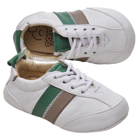 Sapato bebê. Sapatinho bebê. Baby Shoes.