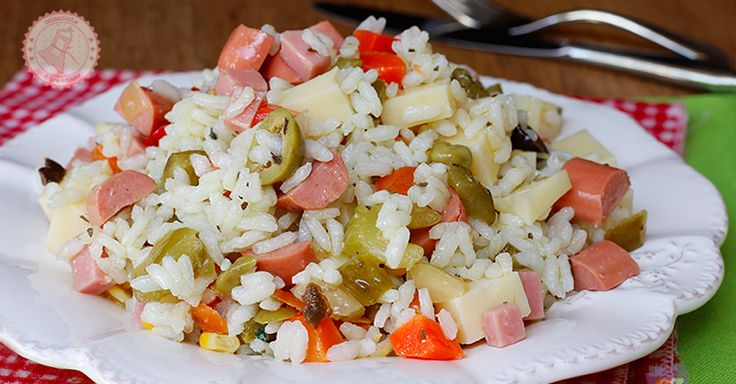 l'insalata riso è un piatto estivo, fresco e molto versatile. potete personalizzarlo come volete e sarà sempre apprezzatissima.