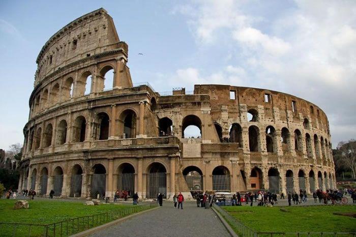 25 Most Famous Landmarks You Should Visit Before You Die (shared via SlingPic)