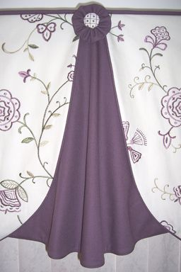 love the drape and detail of this Madelyn valance