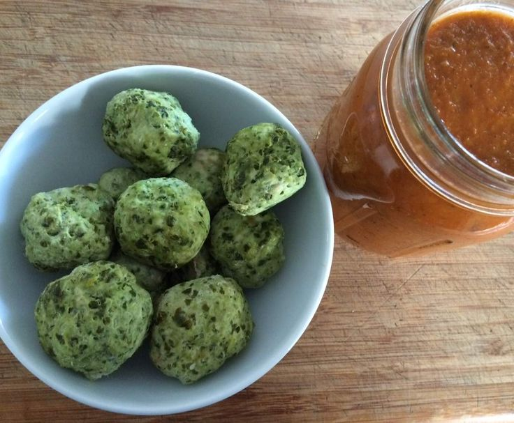 Recipe Chicken and Kale Meatballs with Tomato Sauce by Thelmas Kitchen - Recipe of category Main dishes - meat