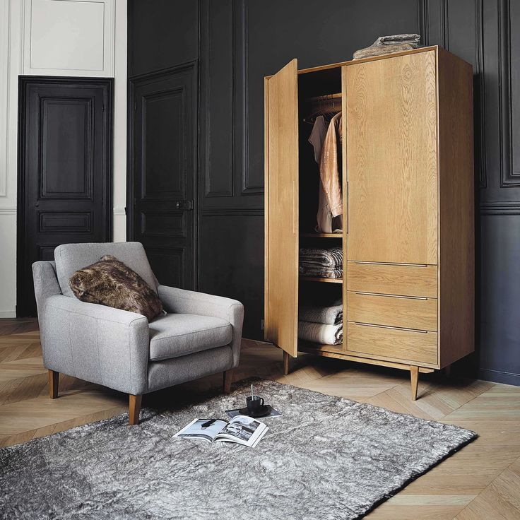 kleiderschrank aus massiver eiche b 120 cm portobello maisons du monde i ts a men s room. Black Bedroom Furniture Sets. Home Design Ideas