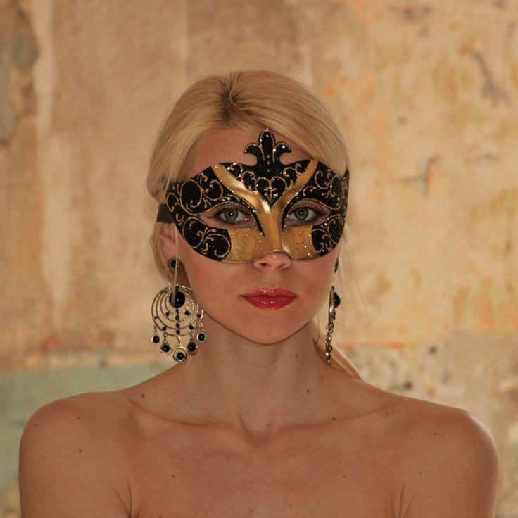 Девушка в маске   фотосессия