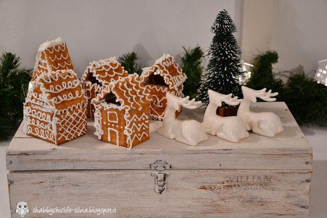 paesaggio natalizio, biscotti con la glassa