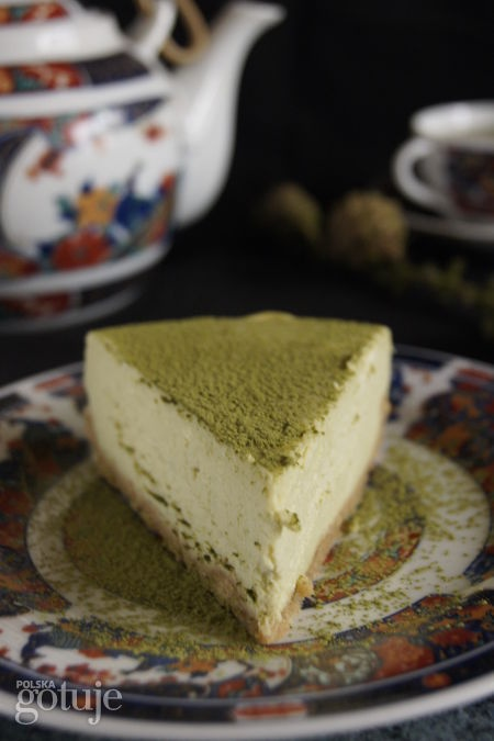 Sernik na zielono z herbatą matcha