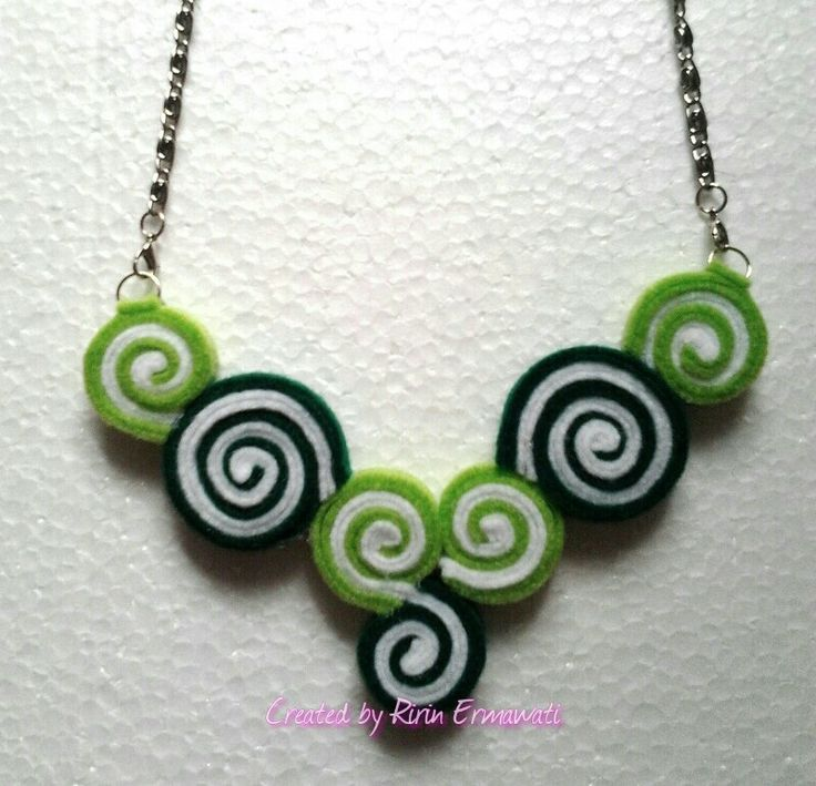 Felt necklace - lime green candy