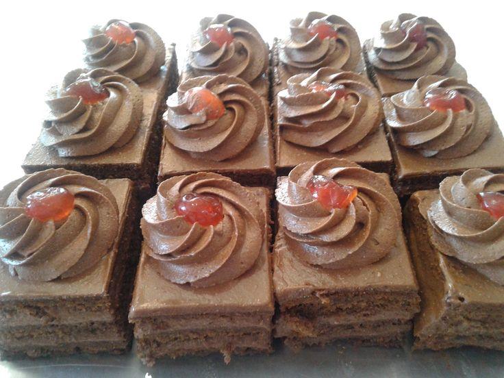 πάστα Σεράνο όπως παλιά / Serano  cake at www.kallivroussis.gr