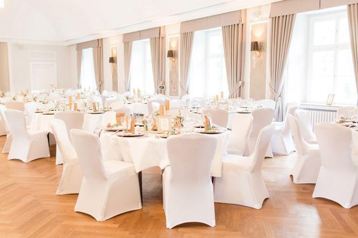 Der Saal für die Hochzeitsfeier von Anni und Andreas in Schloss Ovelgönne  Foto: Marco Hüther