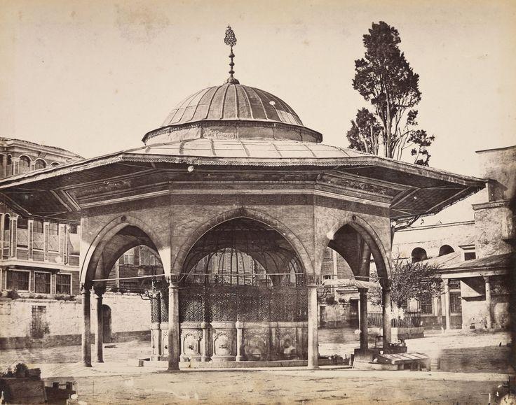 Ayasofya Şadırvanı Abdullah Fréres / 1865