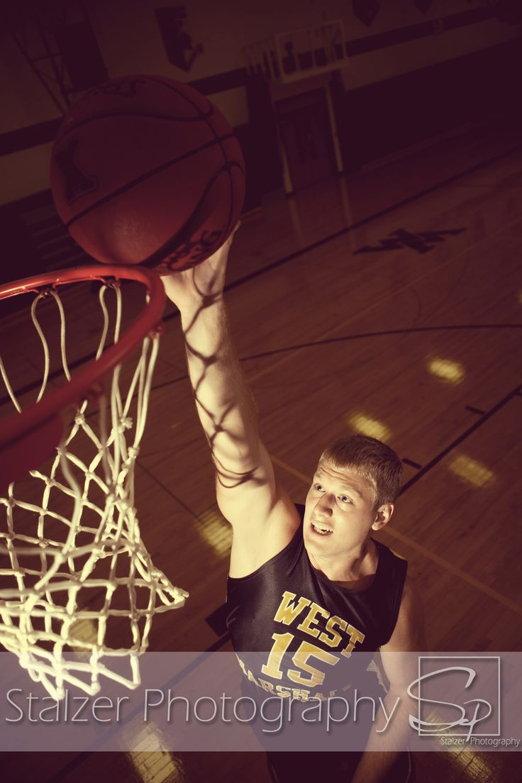 senior pictures basketball dunk dunking rim hoop net